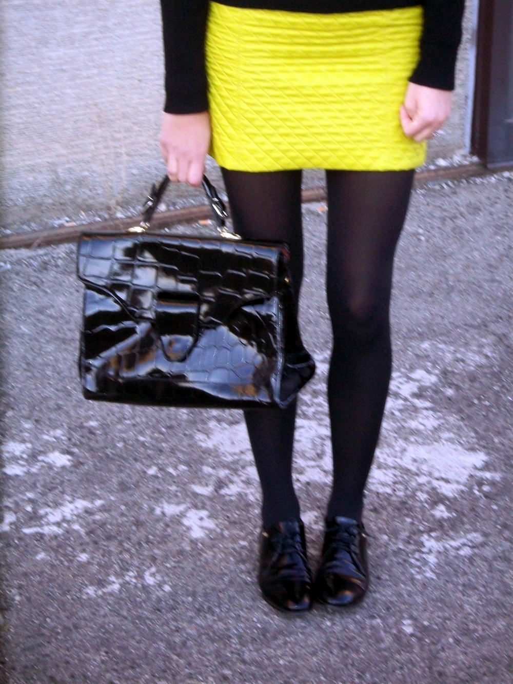 H&M SWEATHER BLACKY DRESS TOMMY HILHFIGER SHOES VINTAGE BAG