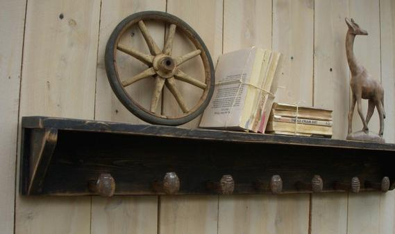 Shabby chic wall shelf from HONEY'S TREASURES shop