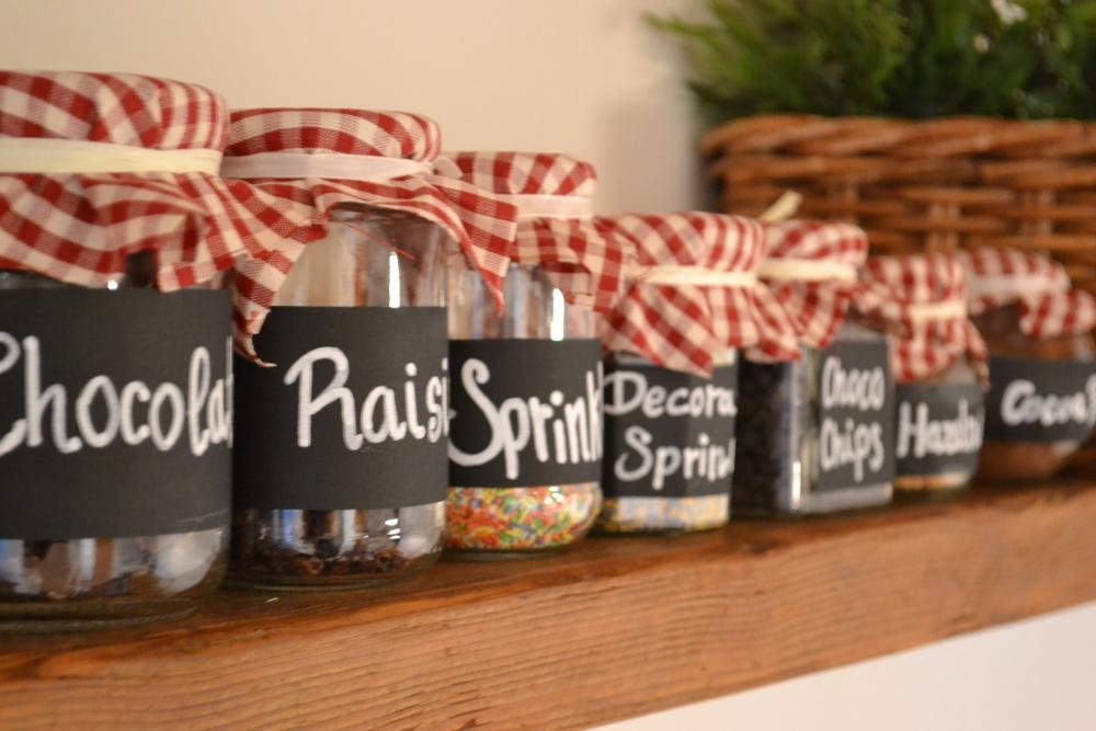 DIY jar project to organize kitchen
